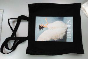 ब्रिटेन के ग्राहक का काला नमूना बैग dtg कपड़ा प्रिंटर द्वारा मुद्रित किया गया था